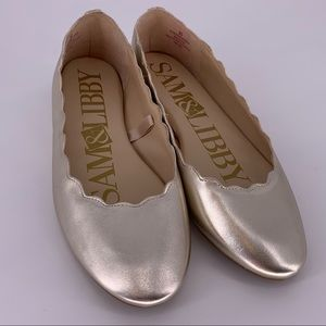 Sam & Libby silver scalloped flats size 9.5 GUC